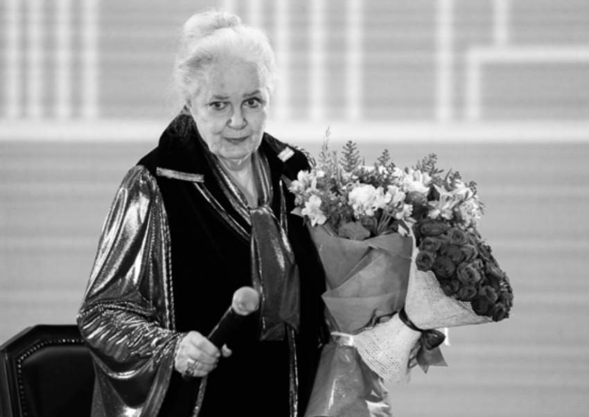Сестра Элины Быстрицкой расплакалась у гроба актрисы