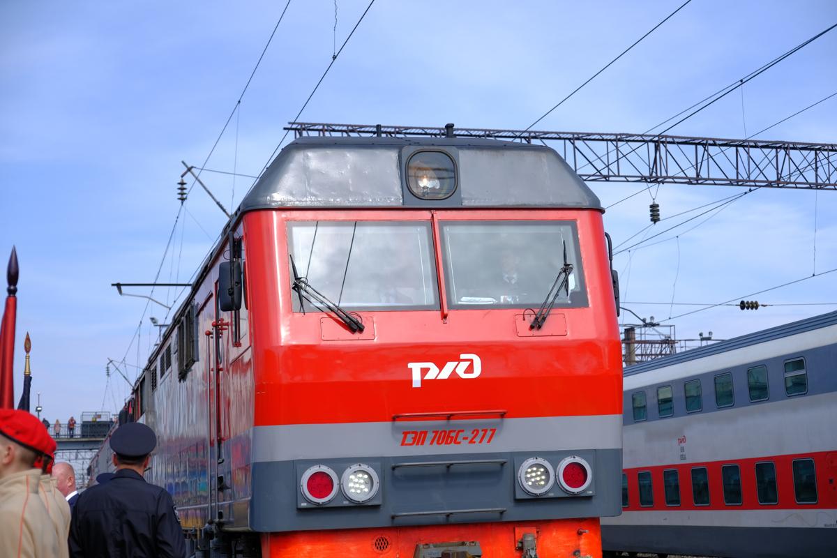 Приставы встретили должника по алиментам на вокзале Ижевска