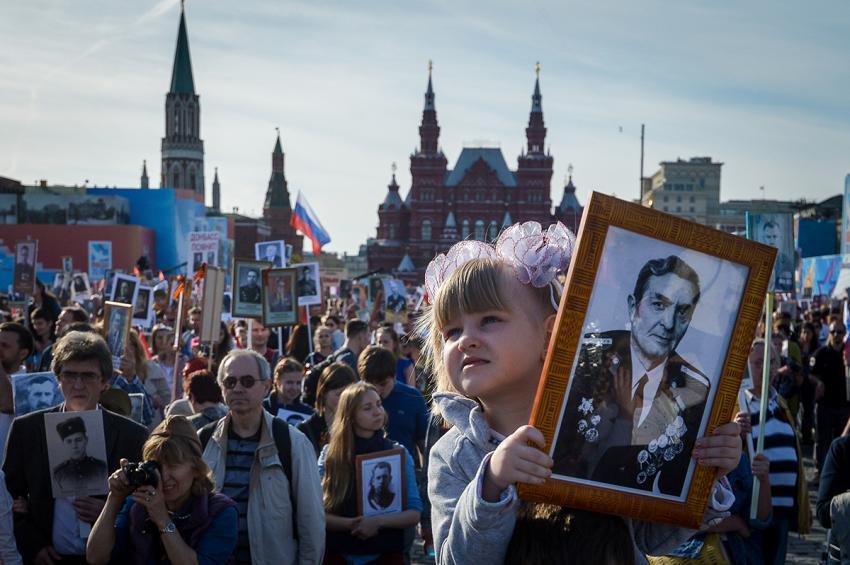 """Основатель """"Бессмертного полка"""" Дмитриев считает глупостью слова Порошенко об участниках акции"""