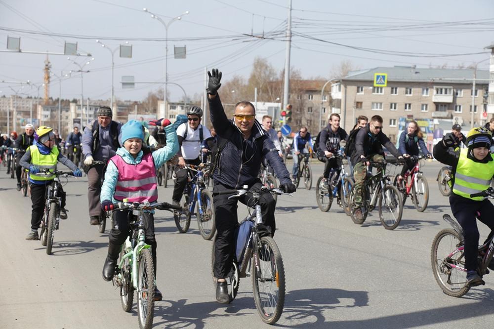 Более 500 человек открыли велосезон в Ижевске