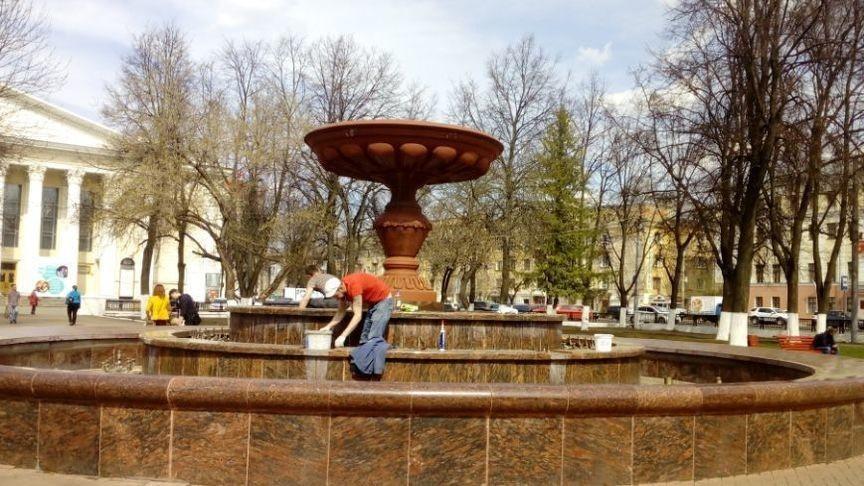 В Кирове готовят к запуску фонтан на Театральной площади