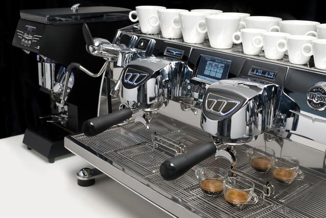 Как выбрать надежную кофемашину?